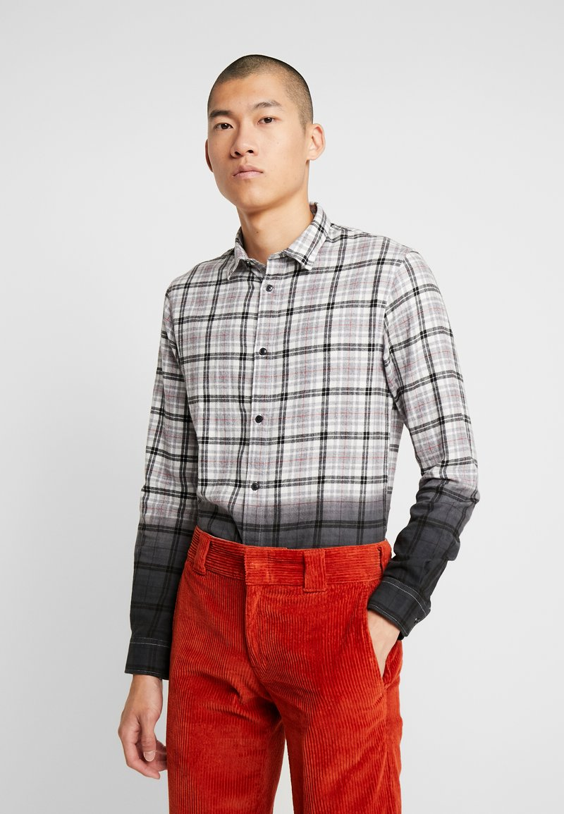 Only & Sons - ONSKIRK DIP DYED CHECK - Chemise - black