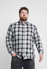 Only & Sons - ONSOMAR CHECKED HERRINGBONE - Košile - cloud dancer - 0