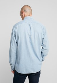 Only & Sons - ONSBASIC DENIM SHIRT  - Skjorta - light blue denim - 2