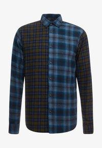 Only & Sons - ONSOZEAN MIXED CHECKED REGULAR SHIRT - Camisa - dress blues - 4