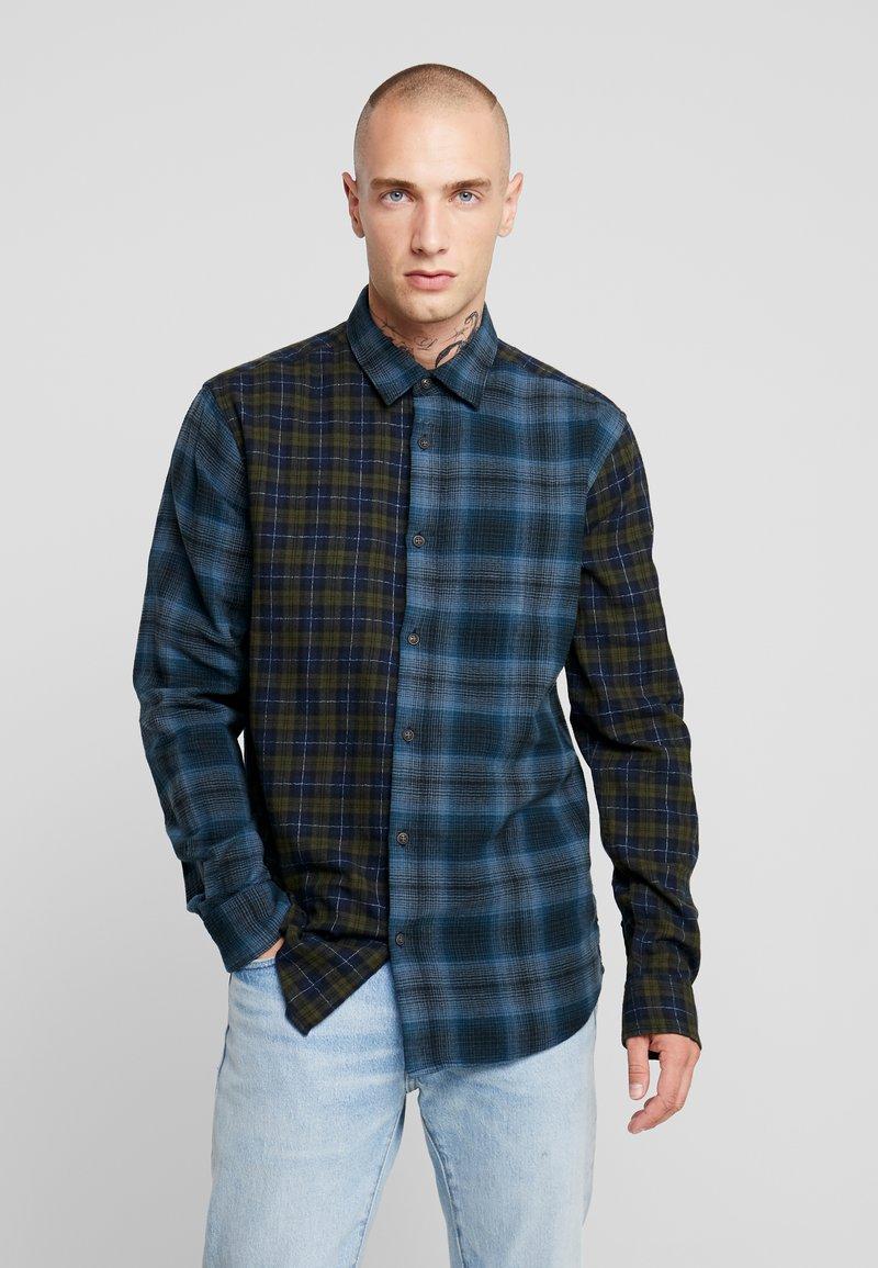 Only & Sons - ONSOZEAN MIXED CHECKED REGULAR SHIRT - Camisa - dress blues