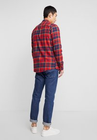 Only & Sons - ONSODAN CHECKED SLIM FIT - Koszula - pompeian red - 2
