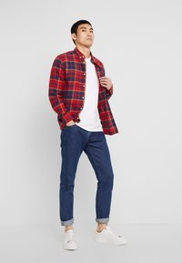 Only & Sons - ONSODAN CHECKED SLIM FIT - Koszula - pompeian red - 1