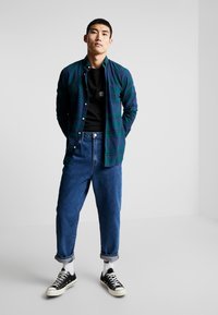 Only & Sons - ONSODAN CHECKED SLIM FIT - Koszula - forest night - 1