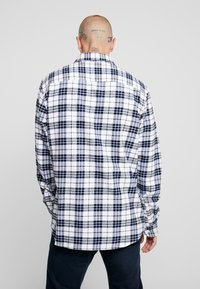 Only & Sons - ONS CHECK SHIRT - Shirt - white - 2