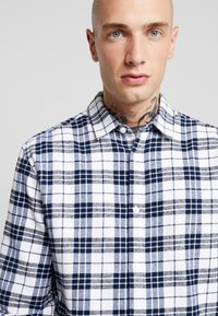 Only & Sons - ONS CHECK SHIRT - Shirt - white - 4