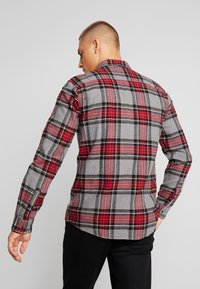 Only & Sons - ONSETHAN POCKET - Koszula - pompeian red - 2