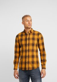 Only & Sons - ONSEWAN SHADOW CHECK SLIM FIT - Košile - desert sun - 0