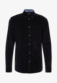 Only & Sons - ONSGEORG SOLID REGULAR FIT - Camisa - black - 4