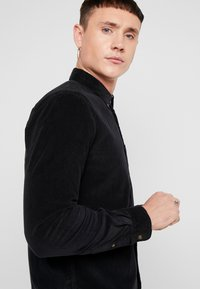 Only & Sons - ONSGEORG SOLID REGULAR FIT - Chemise - black - 3