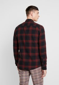 Only & Sons - ONSOTHAN CHECK SHIRT  SLIM FIT - Hemd - pompeian red - 2