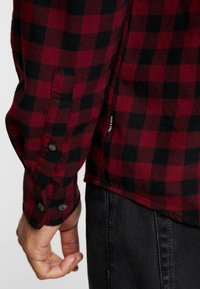 Only & Sons - ONSGUDMUND SMALL CHECK - Camisa - cabernet - 4