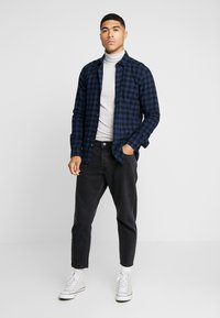 Only & Sons - ONSGUDMUND SMALL CHECK - Shirt - dress blues - 1