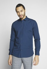 Only & Sons - ONSSANE SOLID POPLIN - Koszula - dress blues - 0
