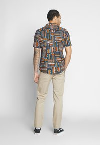 Only & Sons - ONSAARON AZTEC - Shirt - gold flame - 2