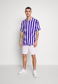 Only & Sons - ONSCARTER STRIPED - Camicia - clematis blue - 1