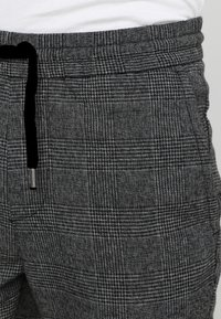 Only & Sons - ONSLINUS PANT - Broek - medium grey melange - 3