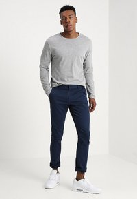 Only & Sons - ONSTARP  - Pantalones chinos - dress blues - 1