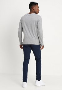 Only & Sons - ONSTARP  - Pantalones chinos - dress blues - 2