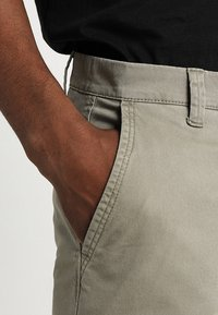 Only & Sons - ONSTARP  - Chino - fallen rock - 3