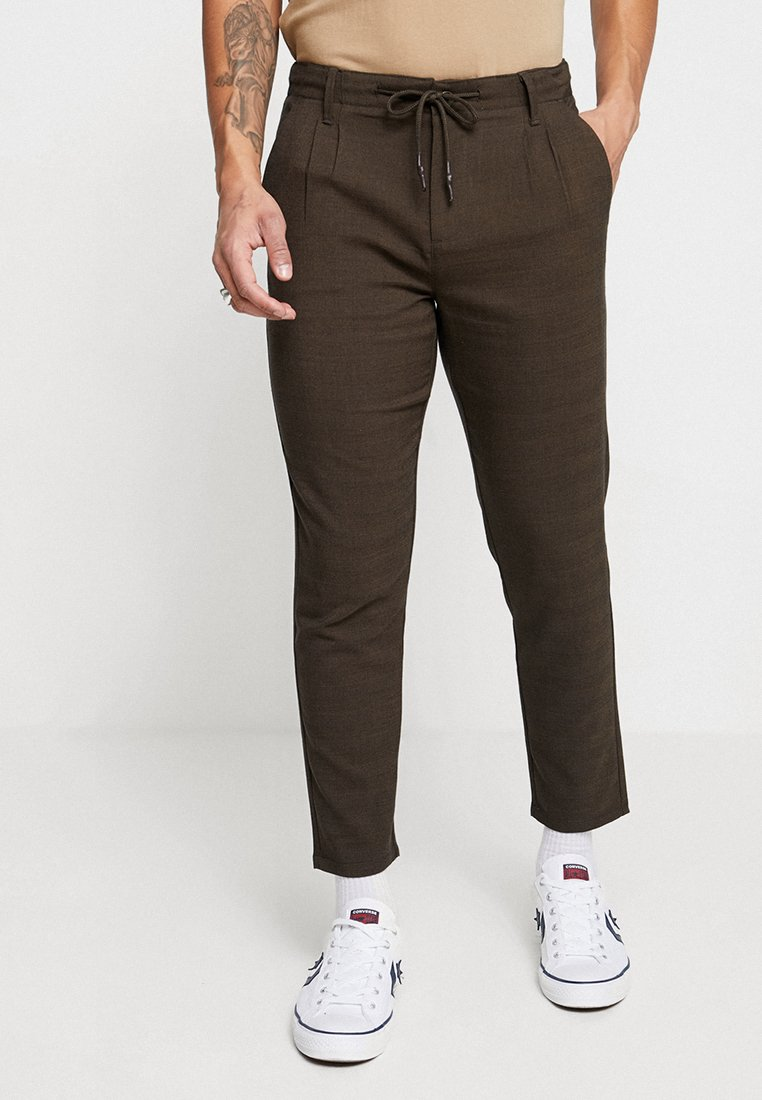 Only & Sons - ONSLEO PANT CROPPED - Chino - brown/dark navy