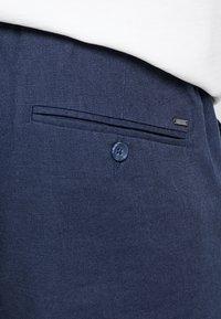 Only & Sons - ONSLEO - Spodnie materiałowe - dress blues - 5