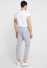 Only & Sons - ONSLINUS - Chino kalhoty - white - 2