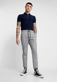 Only & Sons - ONSLINUS CHECK PANT - Kalhoty - griffin - 1