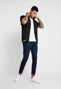 Only & Sons - ONSMARK PANT CHECK - Bukse - dark navy - 1