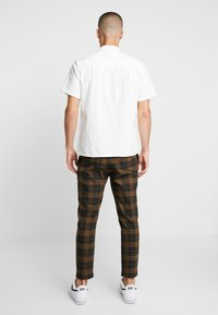 Only & Sons - ONSLINUS CHECK  - Trousers - brown - 2