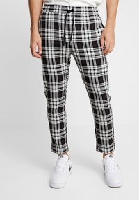 Only & Sons - ONSLINUS CROPPED CHECK PANT - Kangashousut - black - 0