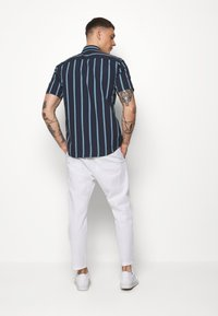 Only & Sons - ONSLINUS CROP  - Stoffhose - bright white - 2