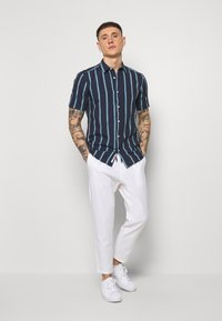 Only & Sons - ONSLINUS CROP  - Stoffhose - bright white - 1
