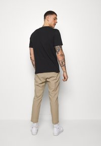Only & Sons - ONSLINUS CROP  - Trousers - chinchilla - 2