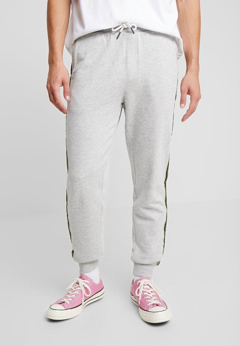 Only & Sons - ONSKICHAEL PANTS - Tracksuit bottoms - light grey melange