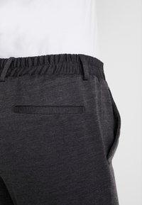 Only & Sons - ONSELIAS CASUAL PANTS - Broek - dark grey melange - 3