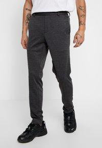 Only & Sons - ONSELIAS CASUAL PANTS - Broek - dark grey melange - 0