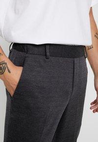 Only & Sons - ONSELIAS CASUAL PANTS - Broek - dark grey melange - 5