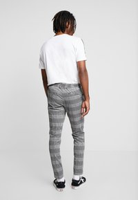 Only & Sons - ONSELIAS CHECK  PANTS - Trousers - black - 2