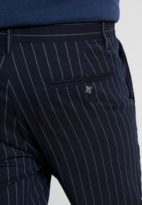 Only & Sons - ONSELYAS PANTS - Pantalones - dark navy - 5