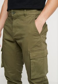 Only & Sons - ONSCAM STAGE CARGO CUFF - Cargo trousers - olive night - 3