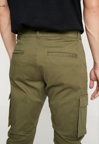 Only & Sons - ONSCAM STAGE CARGO CUFF - Cargo trousers - olive night - 5