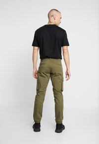 Only & Sons - ONSCAM STAGE CARGO CUFF - Cargo trousers - olive night - 2