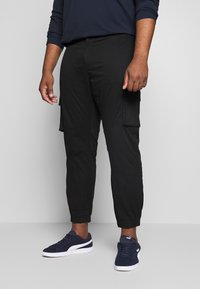 Only & Sons - ONSCAM CARGO CUFF - Cargo trousers - black - 0