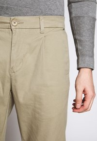 Only & Sons - ONSCAM CROPPED - Pantalones chinos - chinchilla - 5