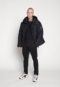Only & Sons - ONSTARP SLIM - Chinot - black - 1
