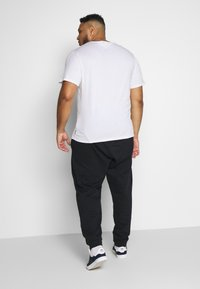 Only & Sons - ONSORGANIC PANTS PLUS - Tracksuit bottoms - black - 2