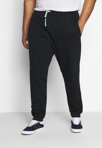 Only & Sons - ONSORGANIC PANTS PLUS - Tracksuit bottoms - black - 0