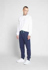 Only & Sons - ONSORGANIC SWEAT PANTS - Tracksuit bottoms - dress blues - 1
