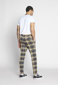 Only & Sons - ONSDESMOND CHECK PANTS - Kalhoty - grey - 2